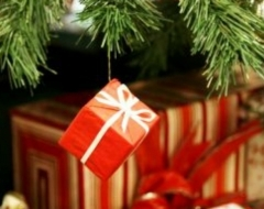 Not Sure What to Give This Holiday Season? Try the Gift of LinkedIn